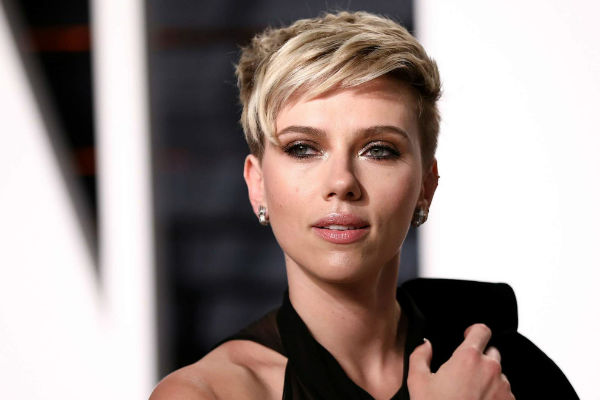 Scarlett Johanson: Un criminal transgénero