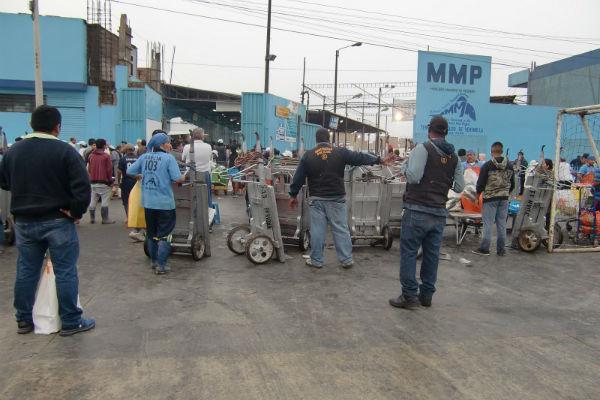 Fiscalía realiza operativo en Terminal Pesquero del Callao