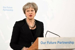 'Brexit' implica duras consecuencias: Theresa May