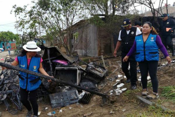 Trabajadora municipal devuelve S/ 27,000 a damnificado de incendio