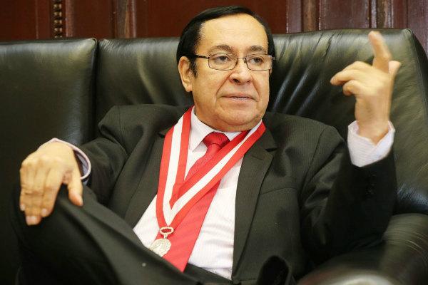 Víctor Prado Saldarriaga es cuestionado por presunto cobro millonario en el PJ