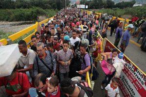 Ecuador deja sin efecto exigencia de pasaporte a migrantes venezolanos