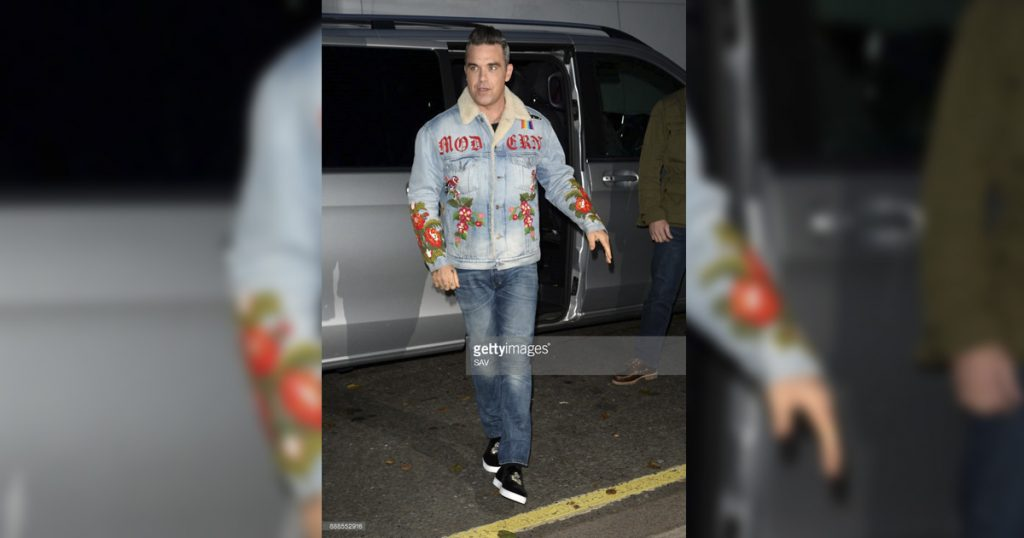 Robbie Williams: Escapa de hotel en llamas