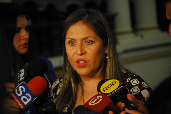Yeni Vilcatoma: «El abogado de PPK invocó a Condorito y, señores, él es chileno» [VÍDEO]
