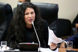 """Yesenia Ponce: """"Lo que se gana como congresista es muy poco"""""""