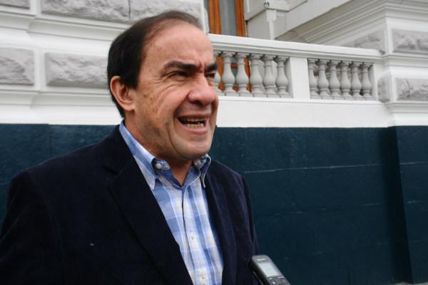 """Yhony Lescano: """"Ley del financiamiento a partidos políticos hace juego a la corrupción"""""""