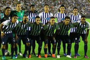 Equipo campeón Alianza Lima arribó a su estadio