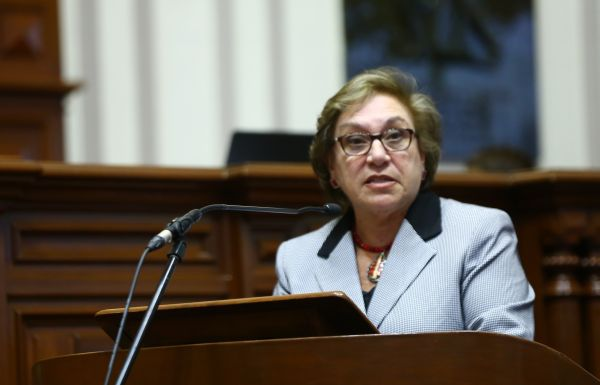 """Ana María Romero: """"Empresas deben contratar a mujeres en oficios no feminizados"""""""