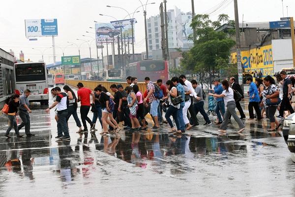 Sedapal: hay cuatro puntos críticos de aniego por lluvia en Lima