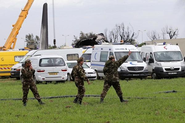 Argelia: Mueren 257 personas al estrellarse un avión militar