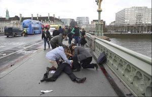 Atentado en Londres: cuatro muertos y 20 heridos [VIDEO Y FOTOS]