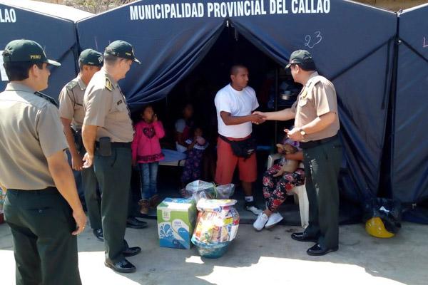 Callao: Policía lleva víveres, agua, útiles escolares y ropa a damnificados en Tiwinza
