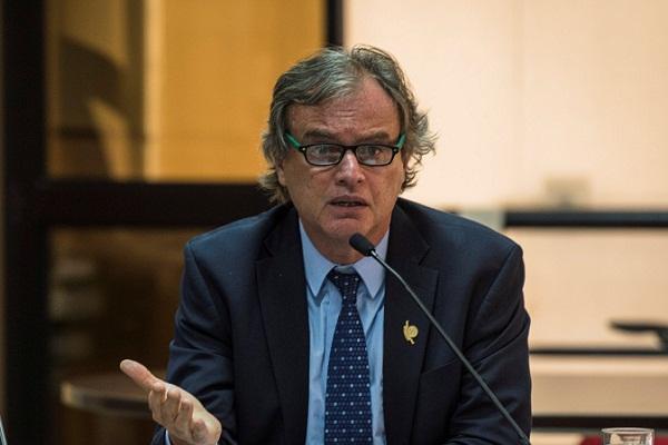 Presentan nueva denuncia contra Carlos Basombrío