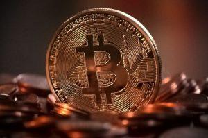 Bitcóin supera los 11 mil dólares por primera vez en su historia