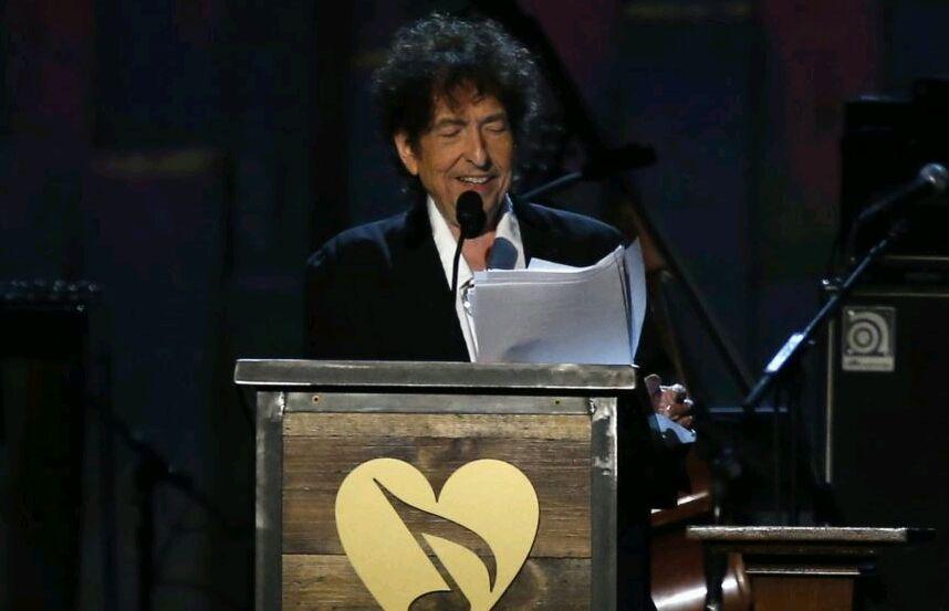 Bob Dylan es acusado de plagio