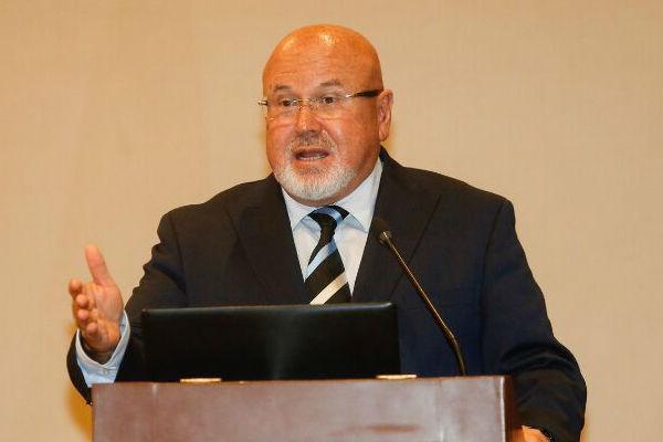 Carlos Bruce proyectó que el sector Construcción habría crecido  13,9% en octubre