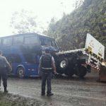 Tingo María: Choque entre un bus interprovincial y un trailer deja un muerto