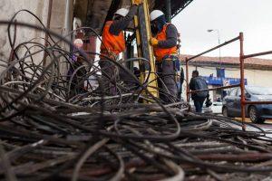 Cusco: Retiran toneladas de cables en desuso de la Ciudad Imperial