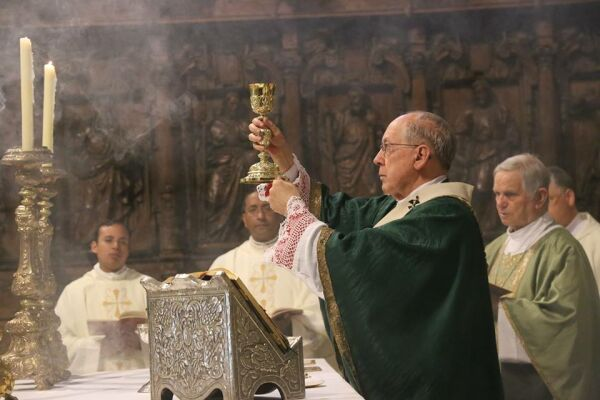 """Cardenal Cipriani pide """"una convivencia en el país más sana, más respetuosa"""""""