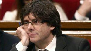 Cataluña: Fiscalía pide detener a Carles Puigdemont y a 4 exconsejeros