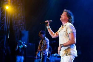 Carlos Vives no cobro ni un sol por video