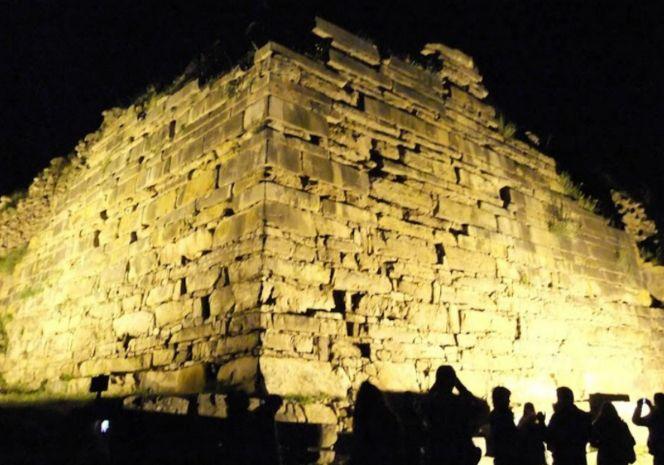 Ancash: tour nocturno por Chavín de Huantar