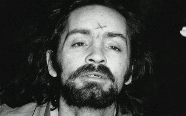 Charles Manson: Asesino serial muere a los 83 años
