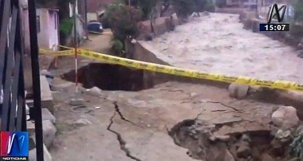 Chosica: Muro de contención colapsó por crecida de caudal del río