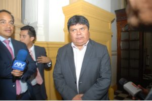 Clayton Galván oficializa retiro de su polémico proyecto de ley