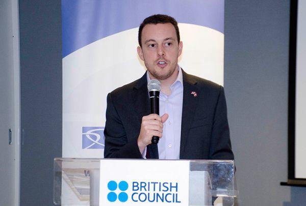 Embajador Británico agradece a Perú por unirse a la condena de usar armas químicas