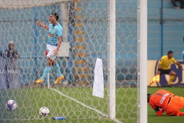 Cristal ganó 2-1 a la San Martín