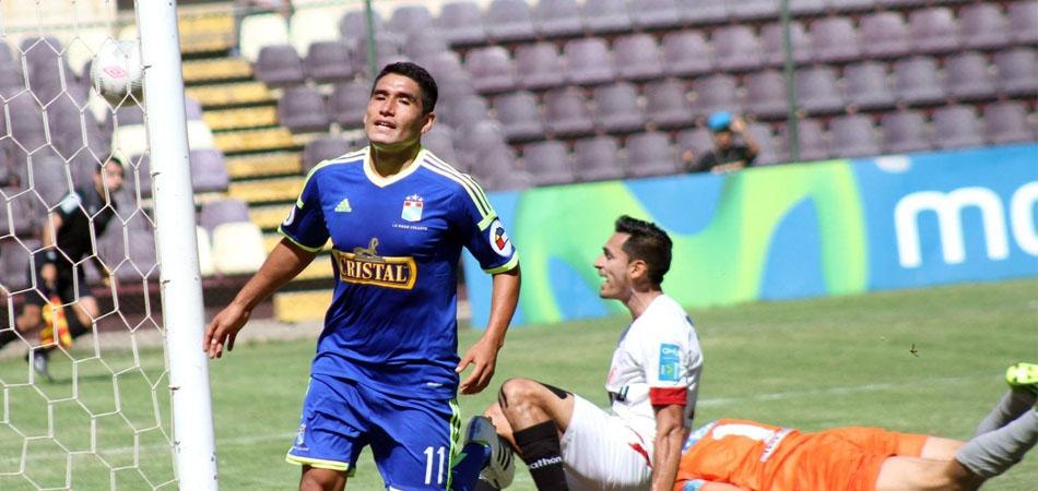 Cristal venció al León de Huánuco 2-1