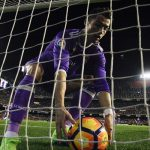 Fútbol español: Valencia derrota 2-1 al Real Madrid