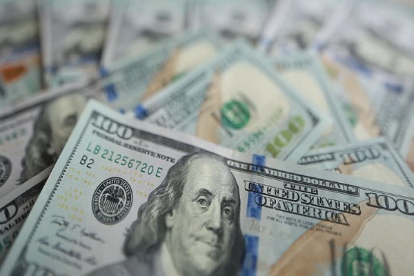 Dólar baja hasta S/ 3.402 ante mayor demanda de moneda local