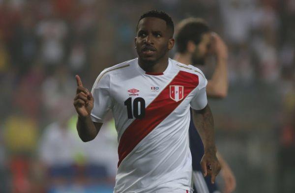 Perú vs. Escocia: Jefferson Farfán anota el segundo tanto