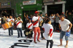 Perú vs. Croacia: Comerciantes de Gamarra arman fiesta antes del encuentro
