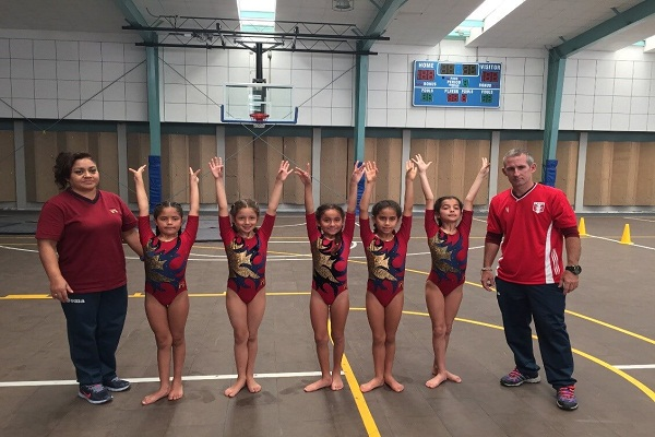 Chicas destacan en gimnasia artística