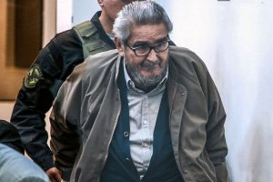 Buscan sacar a Guzmán de prisión