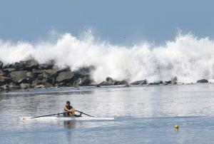 Hidrografía y Navegación de la Marina alerta a vecinos por oleajes