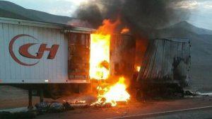 Huarmey: chofer de camión salvo de morir incendiado