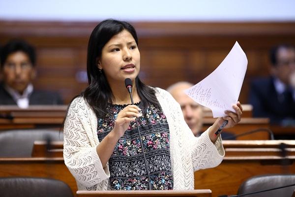 Indira Huilca: «Durante la época de Sendero Luminoso, el Estado usó el terror como estrategia»