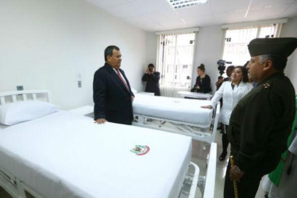 Jorge Nieto inauguró remodelados ambientes del Hospital Militar Central