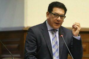 Gonzales rechaza propuesta de separar a niños del colegio por pagos pendientes