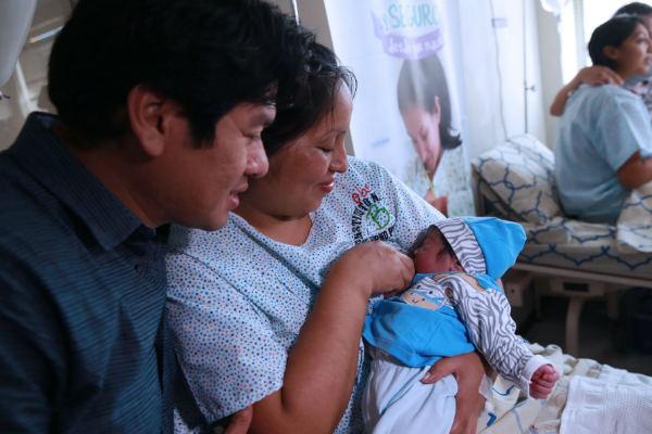 Gobierno decreta ley para que varones tengan 10 días de licencia por paternidad