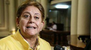 """Lourdes Alcorta: """"El presidente de la República no es el señor Kuczynski, es el señor Zavala"""""""