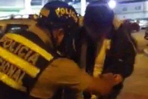 """Facebook: Acusan a policía de """"sembrar"""" marihuana a un joven"""