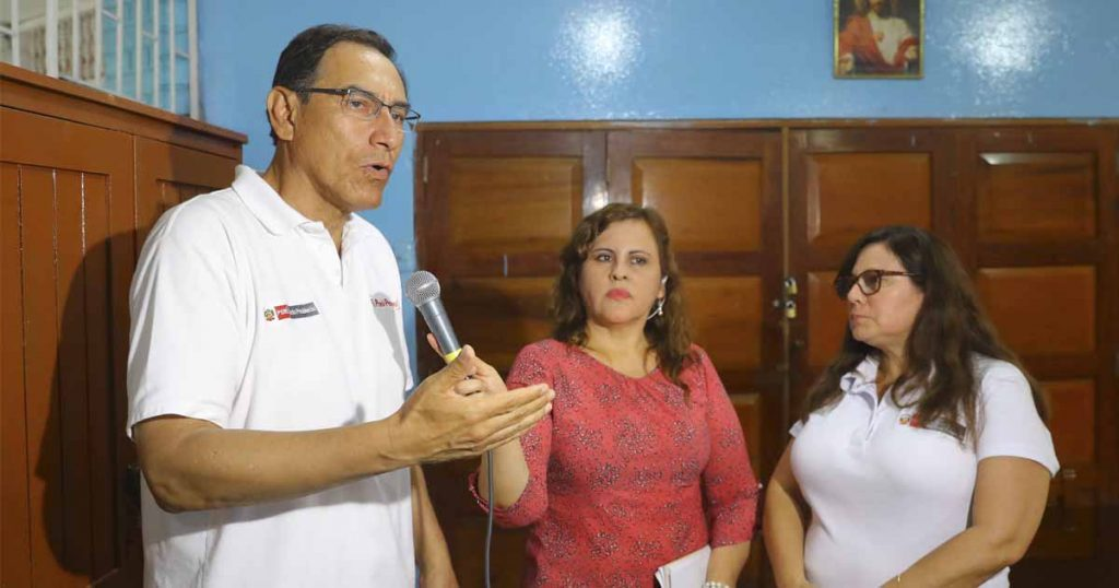 Martín Vizcarra asistió al velorio de Eyvi Ágreda