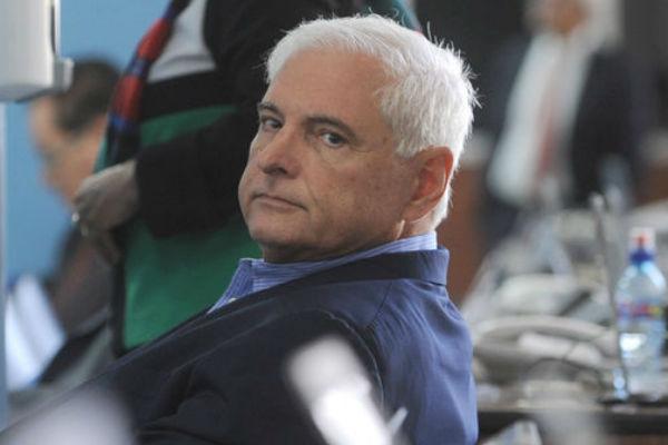 Expresidente de Panamá sale de prisión bajo fianza