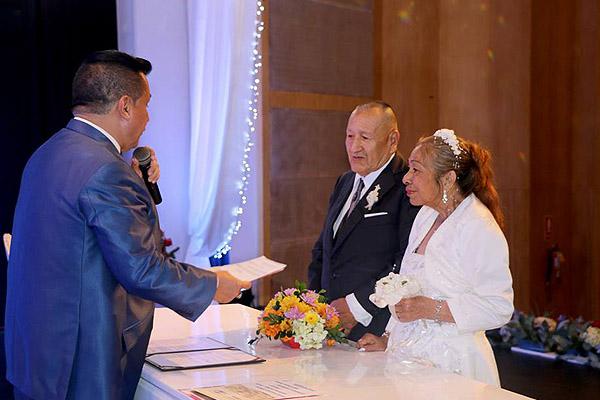 Más de 200 parejas unieron sus vidas en matrimonio civil