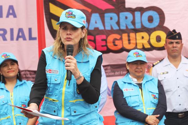"""Aráoz acusa al Congreso de """"golpe de Estado"""""""
